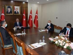 Vakaların yüzde 70 gerilediği Diyarbakır'da esnafa 1500 TL nakit desteği